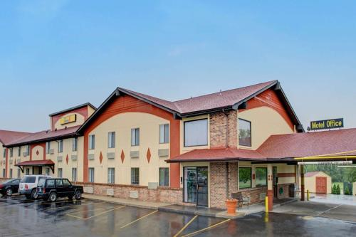 Super 8 Wentzville Photo