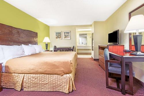 Days Inn Opelika Photo