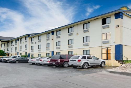 Days Inn Austin Crossroads impression