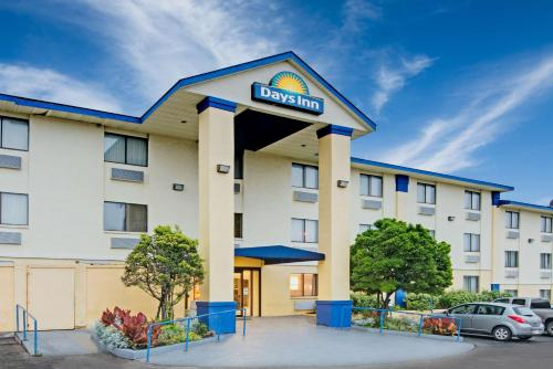 Days Inn Austin Crossroads Photo