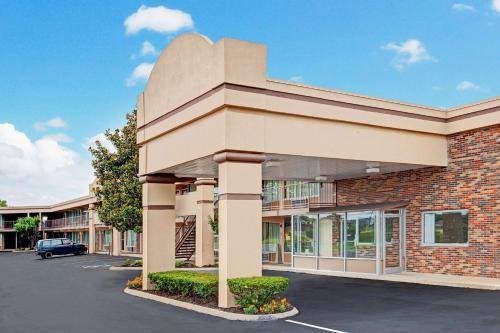 Days Inn Clarksville Photo
