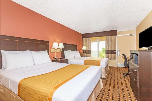 Days Inn Fort Lauderdale-Oakland Park Airport North Photo