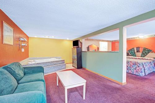 Express Inn Indianapolis photo 8