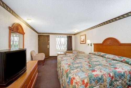 Express Inn Indianapolis photo 11