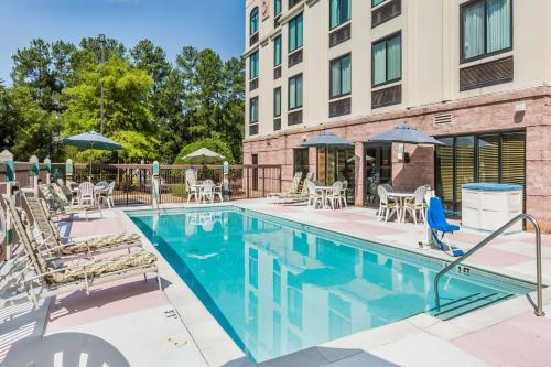 Wingate by Wyndham Atlanta Norcross Photo