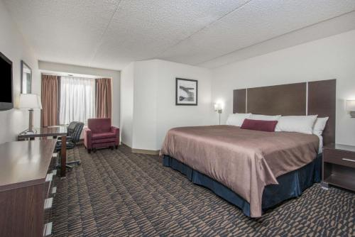 Ramada Plaza Niagara Falls Hotel Photo