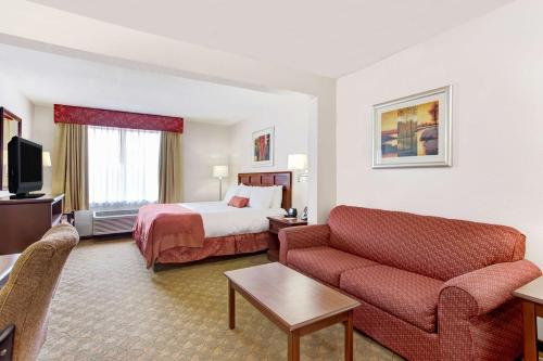 Wingate By Wyndham - Tampa Usf - Tampa, FL 33617