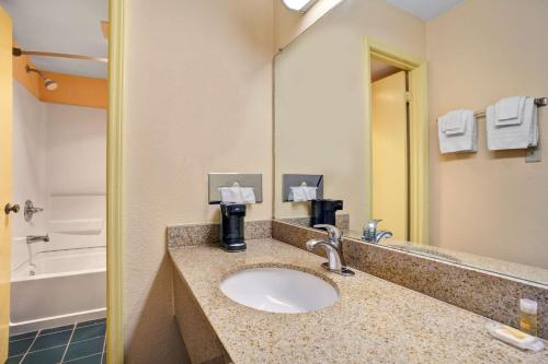 Days Inn Elizabeth City Photo
