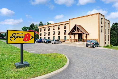 Super 8 Huntsville Photo