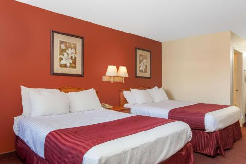 Ramada Limited Central Bakersfield Photo