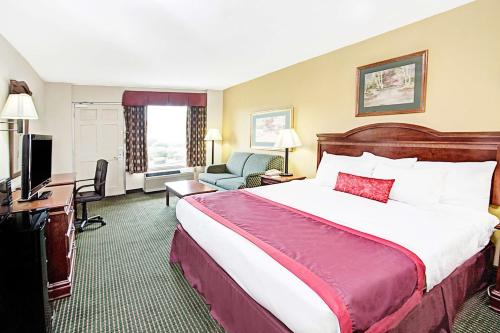Ramada Inn - Walterboro Photo