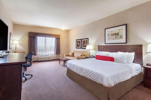 Ramada Camrose Photo