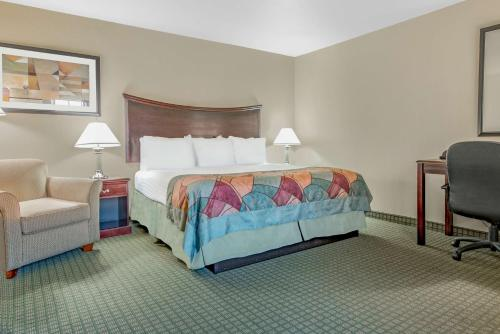 Baymont Inn & Suites Wichita Falls Photo