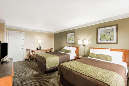 Baymont Inn & Suites San Antonio/Wurzbach Photo