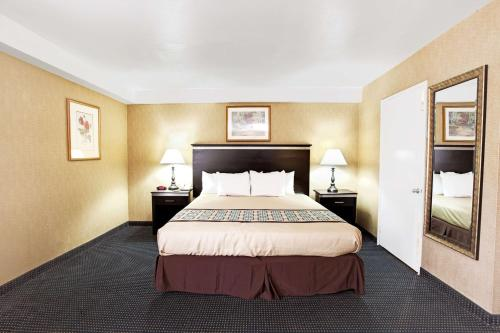 Days Inn & Suites Artesia Photo