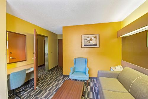 Microtel Inn & Suites by Wyndham Gatlinburg Photo
