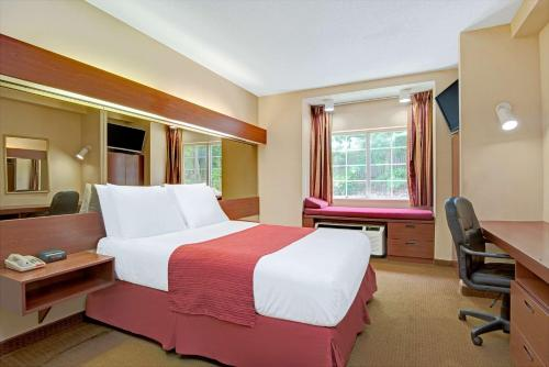 Microtel Inn & Suites by Wyndham Raleigh Photo