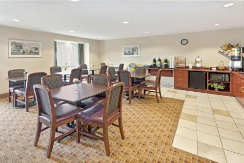Microtel Inn & Suites by Wyndham Jasper Photo