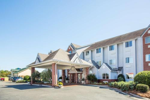 Microtel Inn & Suites By Wyndham Tifton