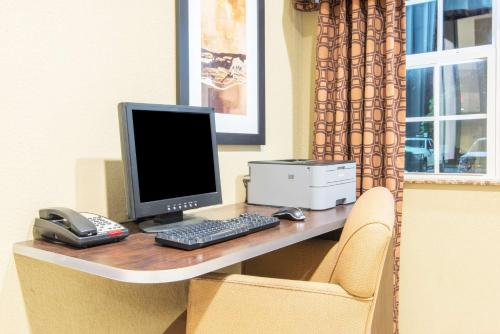 Microtel Inn and Suites Montgomery Photo