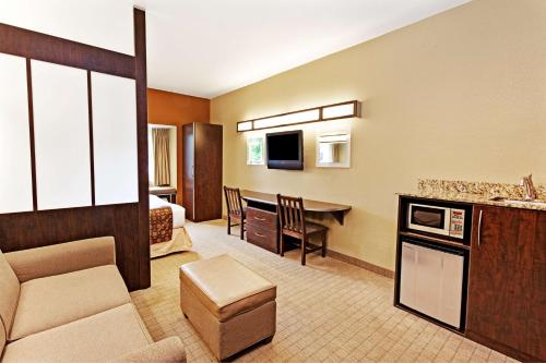 Microtel Inn & Suites by Wyndham Woodstock/Atlanta North Photo