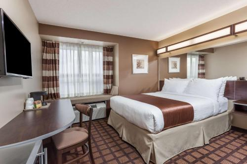 Microtel Inn & Suites by Wyndham - Timmins Photo