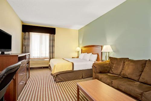 Baymont Inn & Suites (Wahpeton) Photo