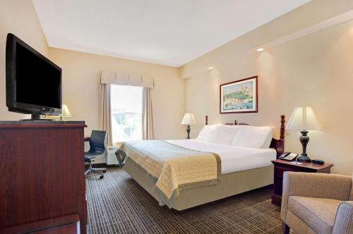 Baymont Inn & Suites - Pearl Photo