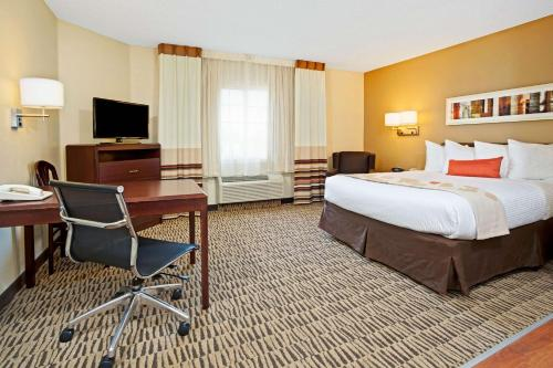 Hawthorn Suites Cincinnati Blue Ash Photo