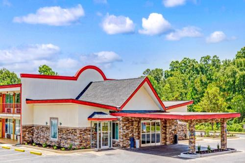 Days Inn Monroe Near Matthews Photo