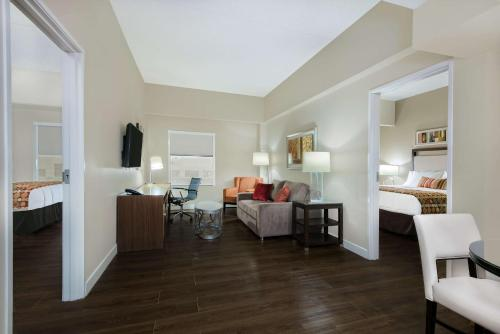 Hawthorn Suites by Wyndham McAllen Photo