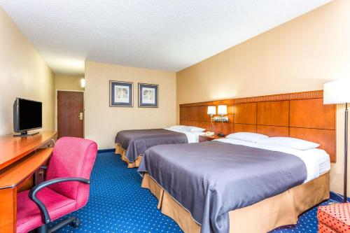 Baymont Inn & Suites - Roswell Photo