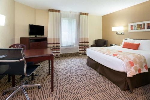 Hawthorn Suites by Wyndham - Altamonte Springs Photo