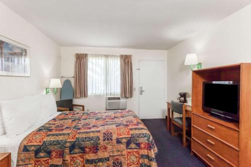 Days Inn San Marcos Photo