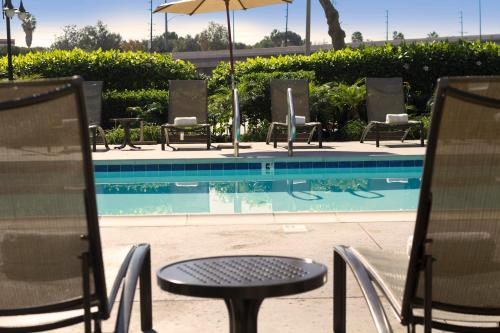 DoubleTree Club by Hilton Orange County Airport Photo