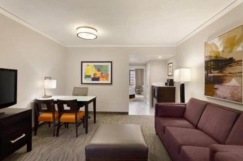 Embassy Suites Hotel Irvine-Orange County Airport - Irvine, CA 92614