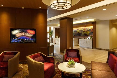 DoubleTree by Hilton Irvine Spectrum Photo