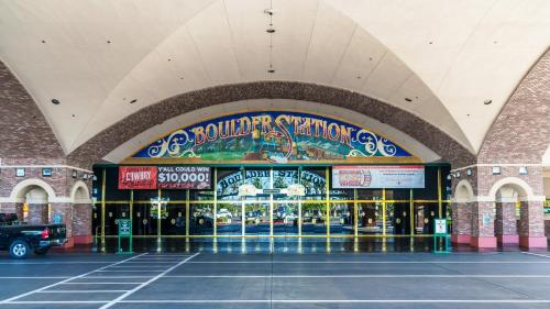 Boulder Station Hotel Casino Photo