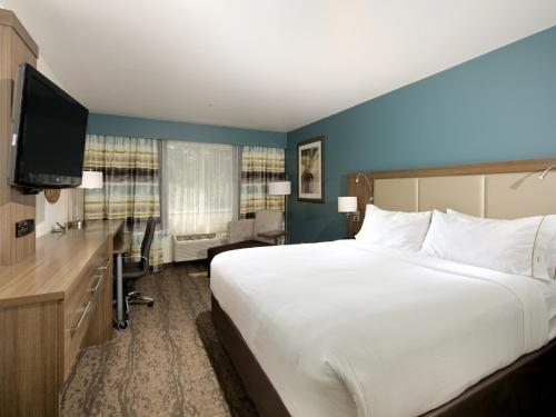 Holiday Inn Express Hotel & Suites - Paso Robles Photo