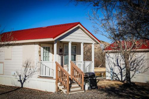 Verde Valley One-Bedroom Park Model Cabin 14 Photo