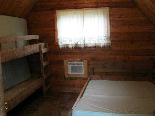 Bulow Standard Cabin 8 Photo