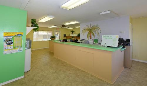 Fort Myers Beach Resort One-Bedroom Park Model 2 Photo