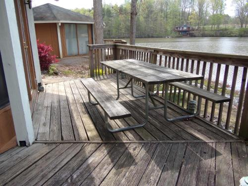 Lake Myers Lakeside Villa 22 Photo