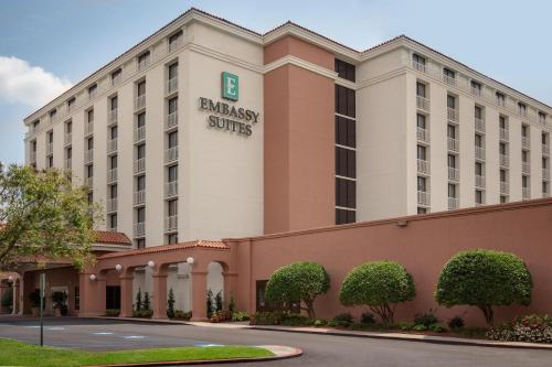 Picture of Embassy Suites Baton Rouge