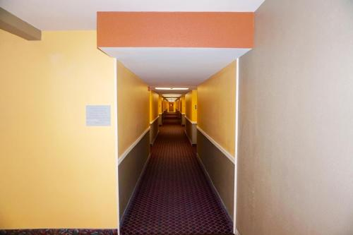 Heritage Inn and Suites Photo