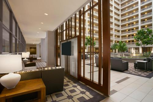 Embassy Suites Chicago - Downtown photo 14