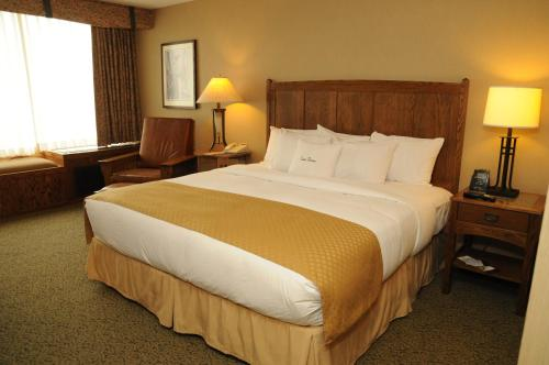 DoubleTree by Hilton Libertyville-Mundelein Photo