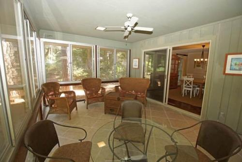 3 Red Maple Holiday Home Photo