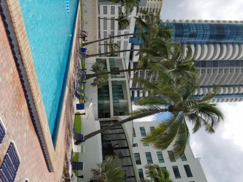 Ocean View Miami Beach Apartment Photo