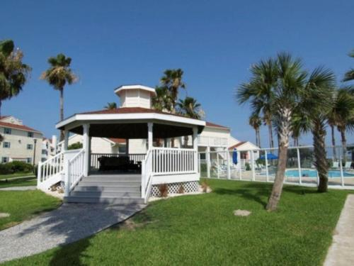 Beach Country Cottage Photo